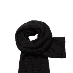Scarf Woman with Brooch black