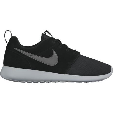 pretty nice 8f5c1 13beb Mens shoes Roshe One Suede black