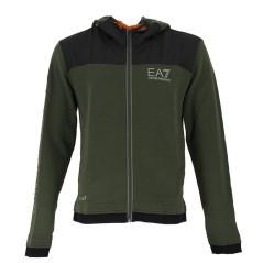 Online-shop spezialisiert auf bekleidung und sport-sweatshirts für ... caedf5dd97